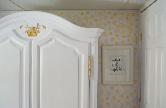 Armoire and Pic